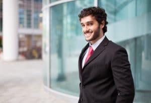15 שאלות שחייבים לשאול לפני שחותמים על חוזה במקום עבודה חדש
