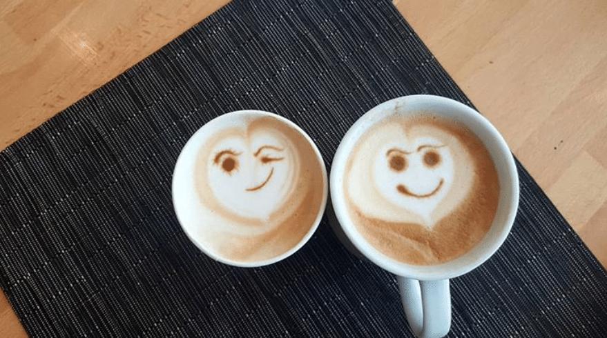 כוס קפה מחייכת - צילום לירון פורת